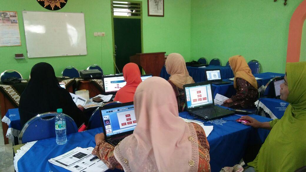 Pelatihan komputer untuk Pimpinan Cabang Se Surabaya oleh PDA Majelis Pembinaan Kader